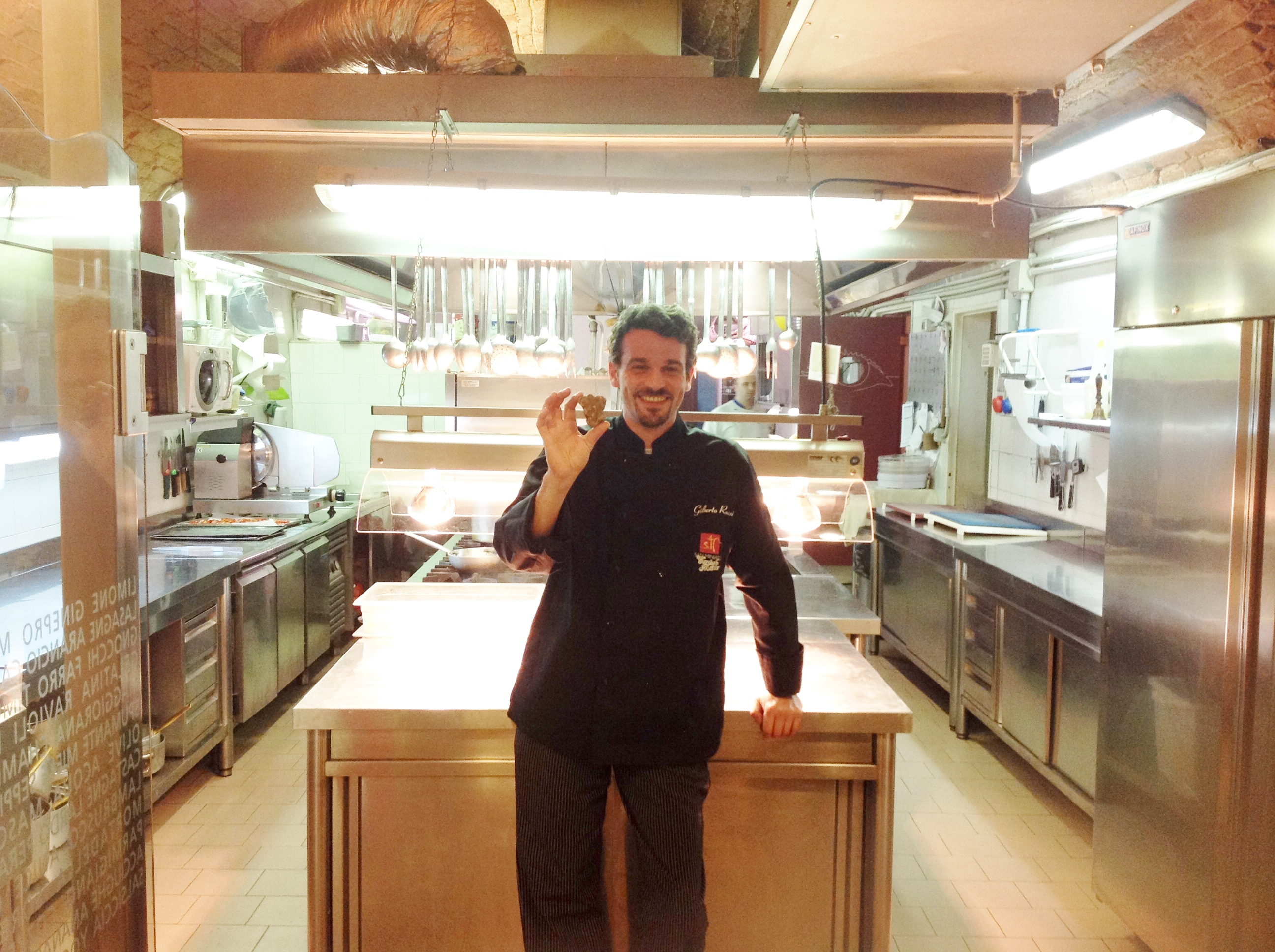 Chef Gilberto Rossi na sua cozinha