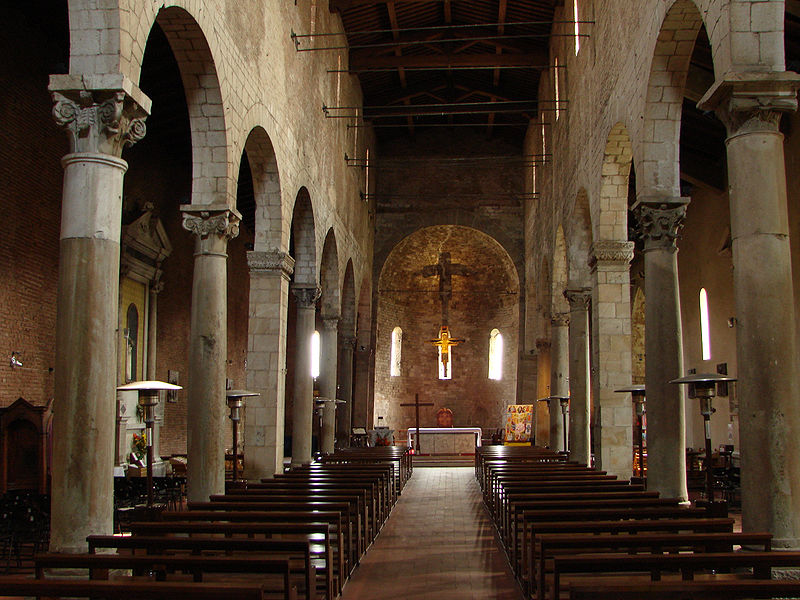 San_Michele_degli_Scalzi_Interno