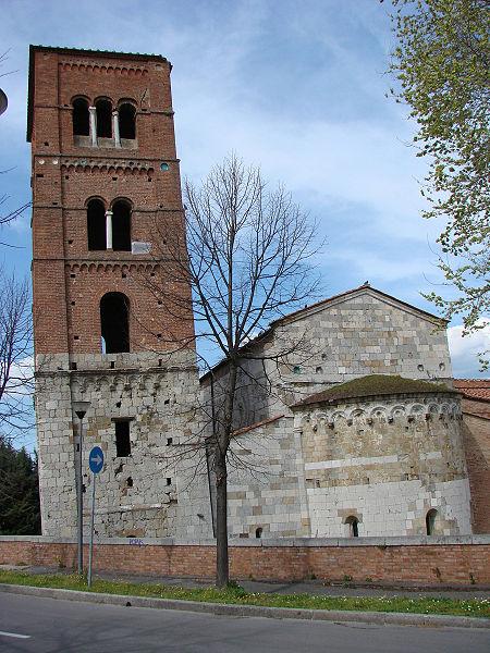 San_Michele_degli_Scalzi_Abside_e_torre_campanaria