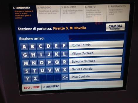 3. Escolha a estação de trem de chegada, escrevendo o seu nome. Lembre-se a estação de partida ja aparece como a estação onde você esta, mas caso queira mudar é possível, ha uma opção acima - CAMBIA STAZIONE - e digite o nome da estação.